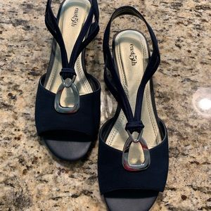 Navy East 5th Sandals Size 9